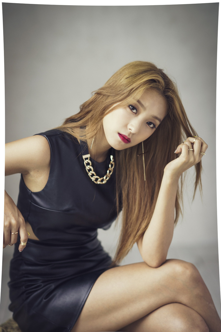 bora, korean girls group, and sistar image