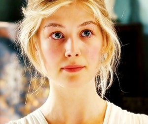 jane bennet, pride and prejudice, and rosamund pike image