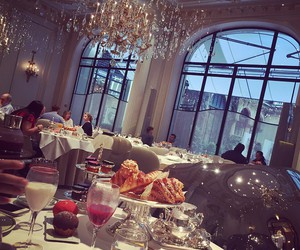 luxury, dinner, and diamonds image