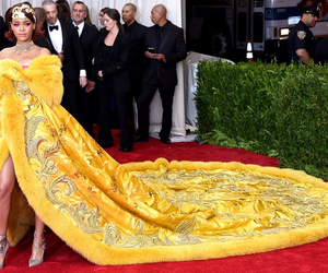 rihanna, yellow, and met gala image