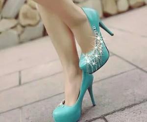 wow and blueshoes image