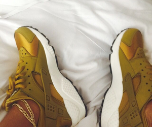 shoes, gold, and huarache image