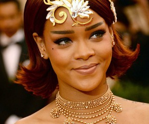 rihanna and met gala image