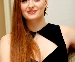 game of thrones and sophie turner image