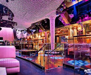 pink, club, and luxury image