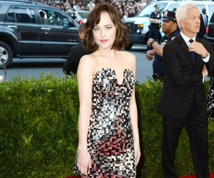 dakota johnson and met gala image