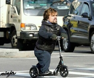 got, patinete, and tyrion image