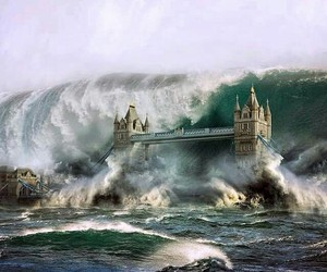apocalyptic, photograph, and tower bridge image