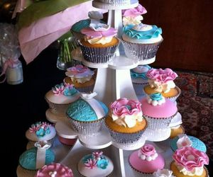 cupcakes, food, and pastel flower cupcakes image