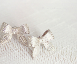 bow, pastel, and earrings image