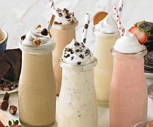 milkshake, drink, and milk image