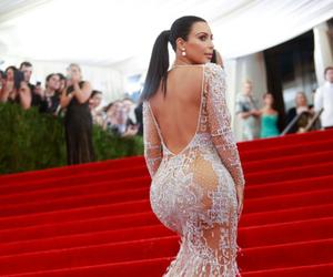 kim kardashian and dress image