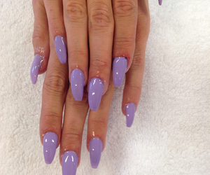 acrylicnails and nails2inspire image