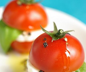 mini and caprese salad image