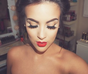 nicole guerriero and make up image