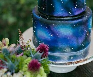 cake and galaxy image