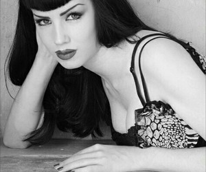 Bettie Page, Pin Up, and retro image