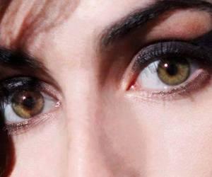 eyes and singer image