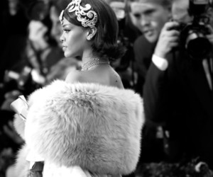 rihanna, black and white, and met gala image