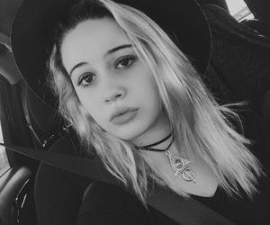 bea miller and singer image