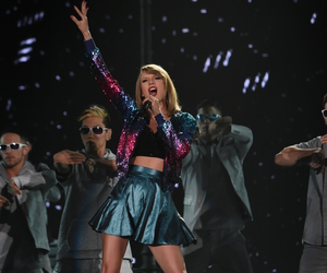 Taylor Swift, tokyo, and 1989 world tour image