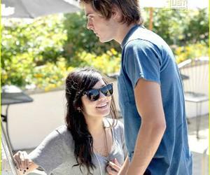 couple, smile, and zanessa image