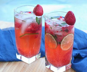 drink, strawberry, and summer image