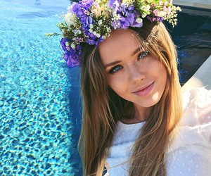 flowers, kristina bazan, and crown image