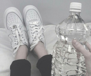 pale, white, and grunge image