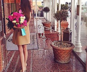 girl, love, and flowers image