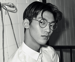 black and white, glasses, and gqstyle image