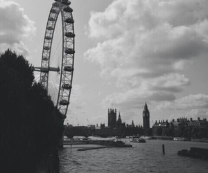 london, black and white, and city image