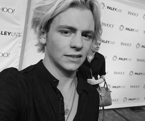 bands, cute boys, and ross lynch image