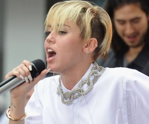 famous, miley cyrus, and short hair image
