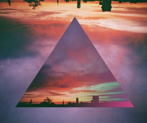 background and triangle image