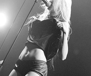 black, the pretty reckless, and model image