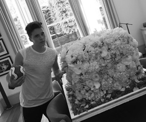 flowers, Brooklyn, and brooklyn beckham image