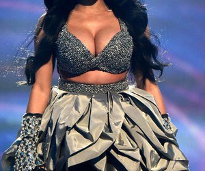 smile and nicki minaj image
