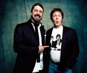 dave grohl, Paul McCartney, and the beatles image