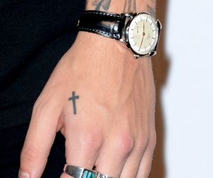 cross tattoo, louis tomlinson, and harry image