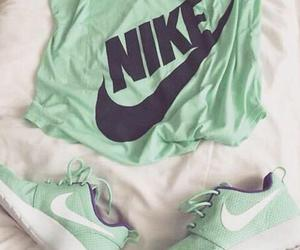 chaussures, fashion, and nike roshe run image