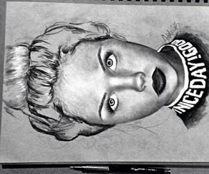 black & white, draw, and scarlett leithold image