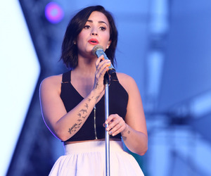 demi lovato, eyes, and love image