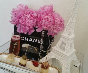 pink flowers, white decor, and pink drinks image