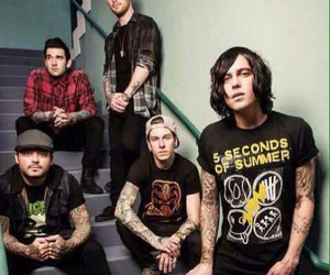 band, sws, and sleeping with sirens image