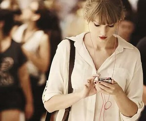 Taylor Swift and music image
