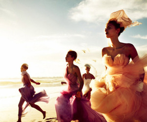 dresses and run image