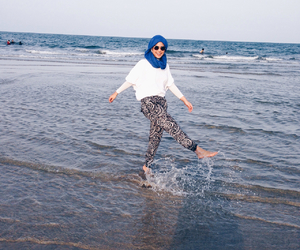 beach hijab style image