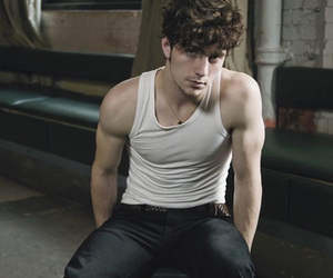 aaron taylor-johnson, whyyyyyyyyy, and hhhmmmmmmm image
