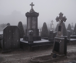 black and white, cemetery, and creepy image